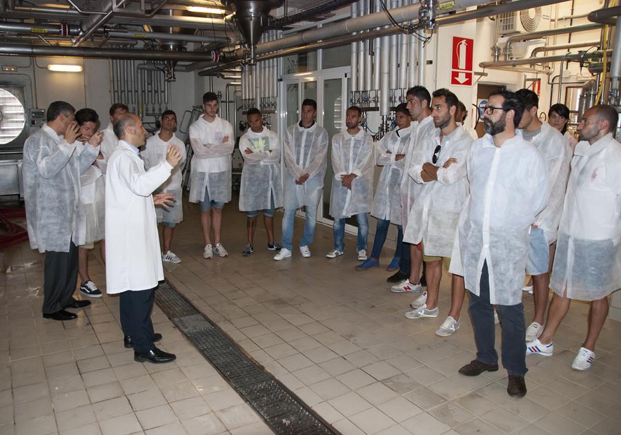 visita-cd-tenerife-fabrica-mahou-san-miguel (2)
